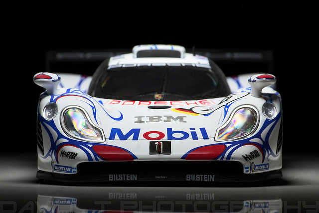 Porsche 911 GT1, scale model