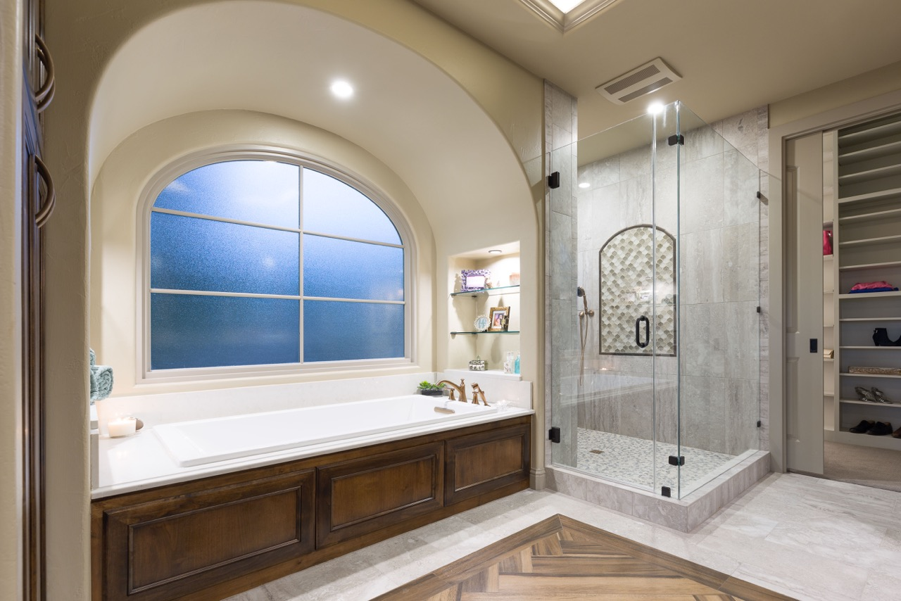 HarborDr-Bath-Closet-3.jpeg
