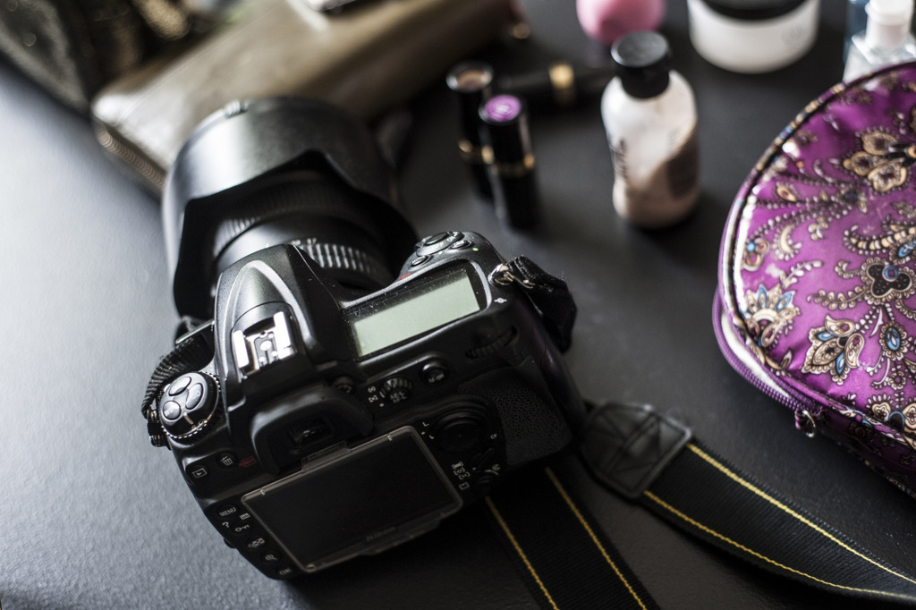 I always carry an SLR camera in my purse… Its my weight training throughout the day and you never know when a good photo opt will arrise.