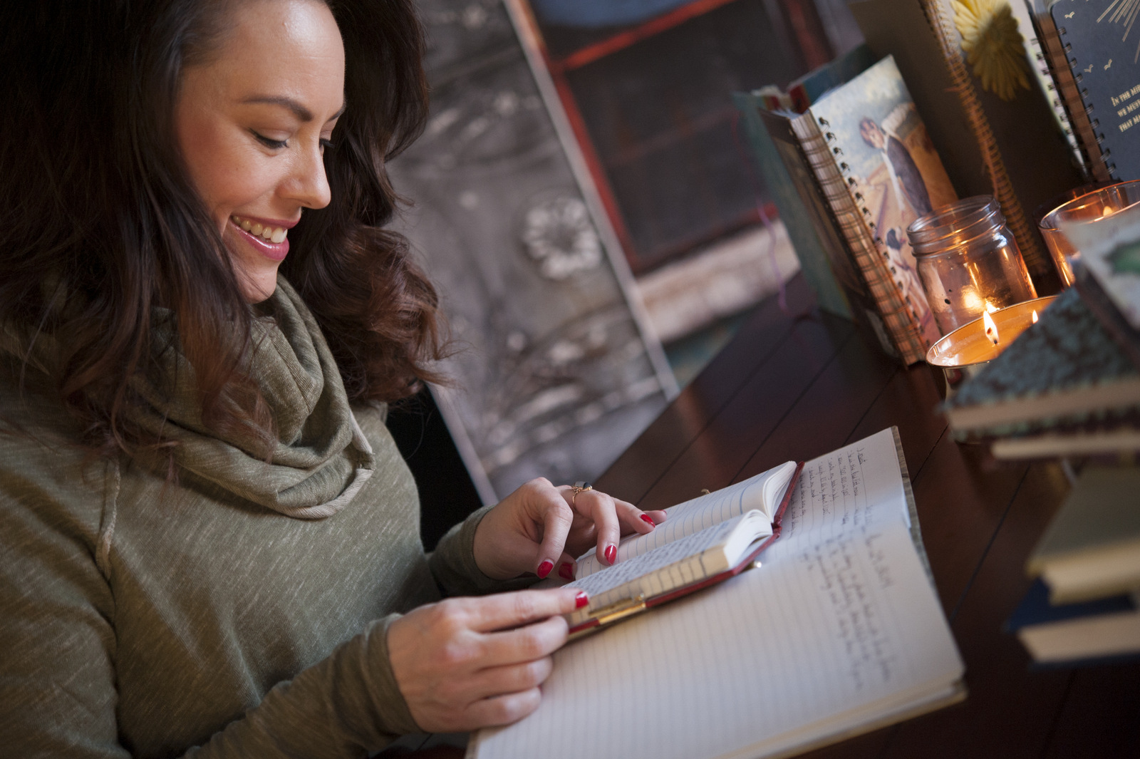 This is fun! A journal is a great gift idea for anyone with an introspective side.