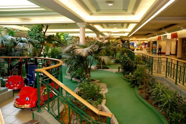 Market mall mini golf saskatoon