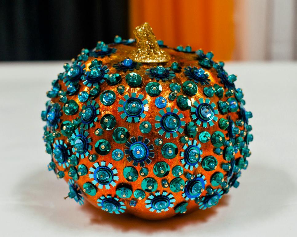 CI-Chelsea-Laine-Francis_Halloween-teal-pumpkin-sequins.jpg.rend.hgtvcom.966.773.jpeg