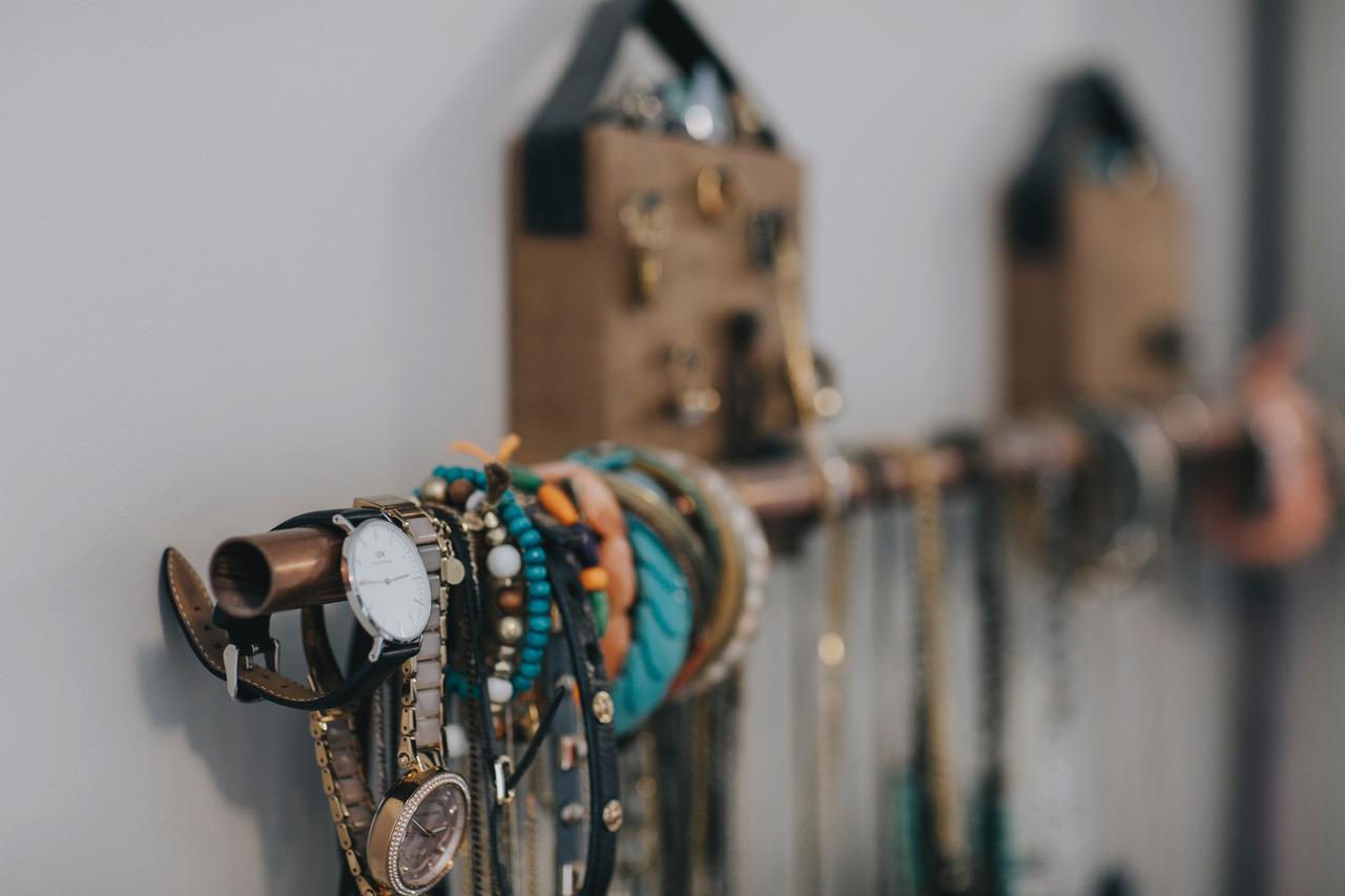 jocelyn demo jewelry display ideas 4.jpeg