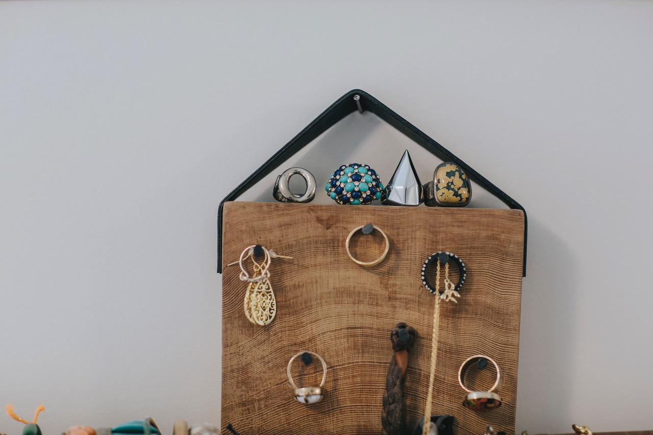 jocelyn demo jewelry display ideas 5.jpeg