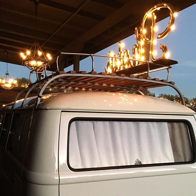 This girl doesn't have a bad angle. 💋 #thebootbus #vwphotobus #vwphotobooth #alwayspretty