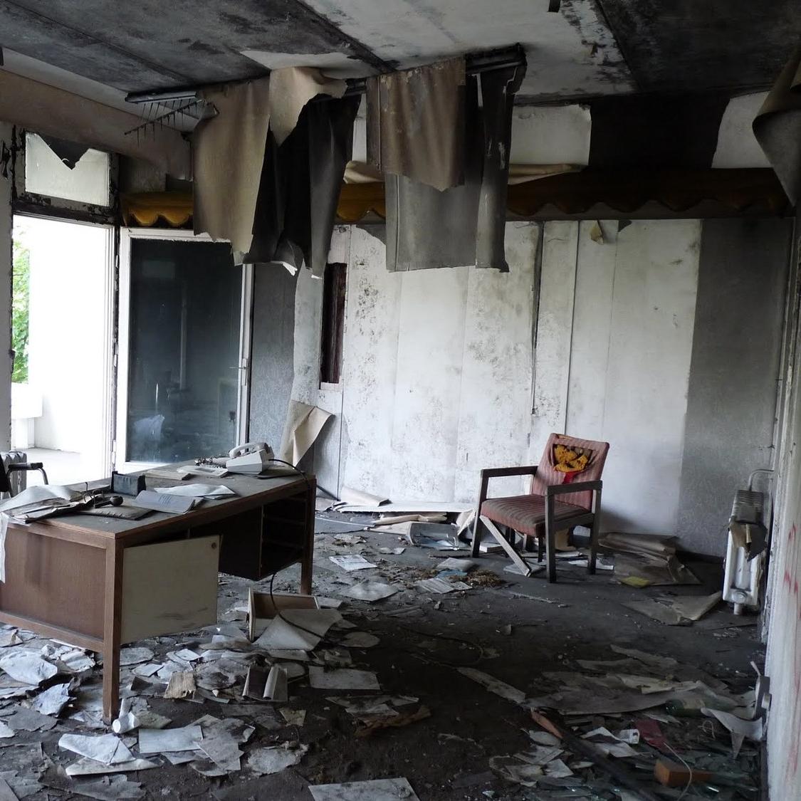 abandoned iraqi embassy berlin P1100711.jpg