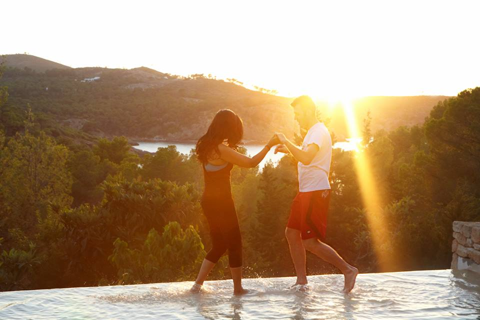 santhosh-ibiza-retreat-dance-pool