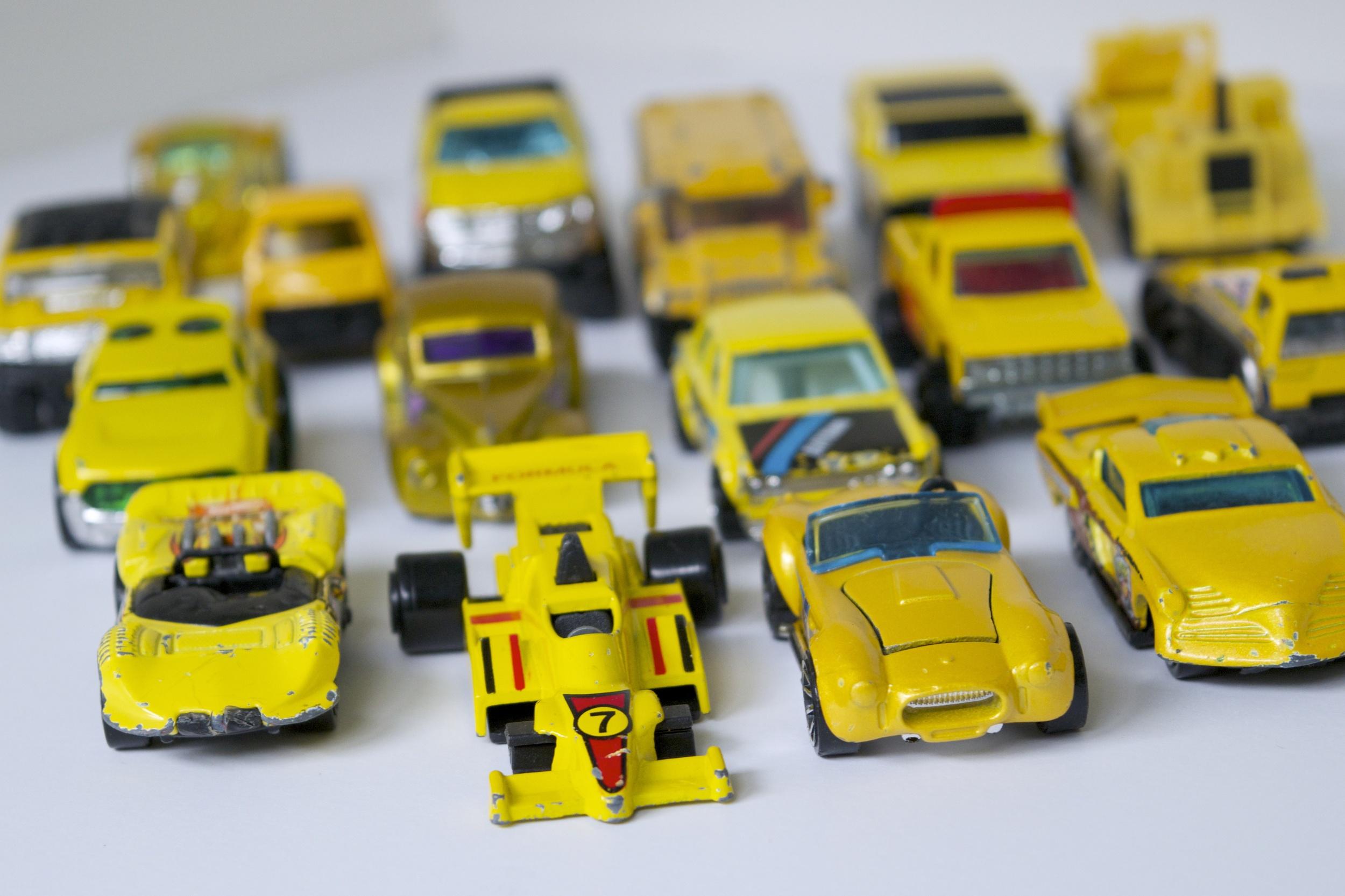 DSC_0126.jpg eleven yellow cars
