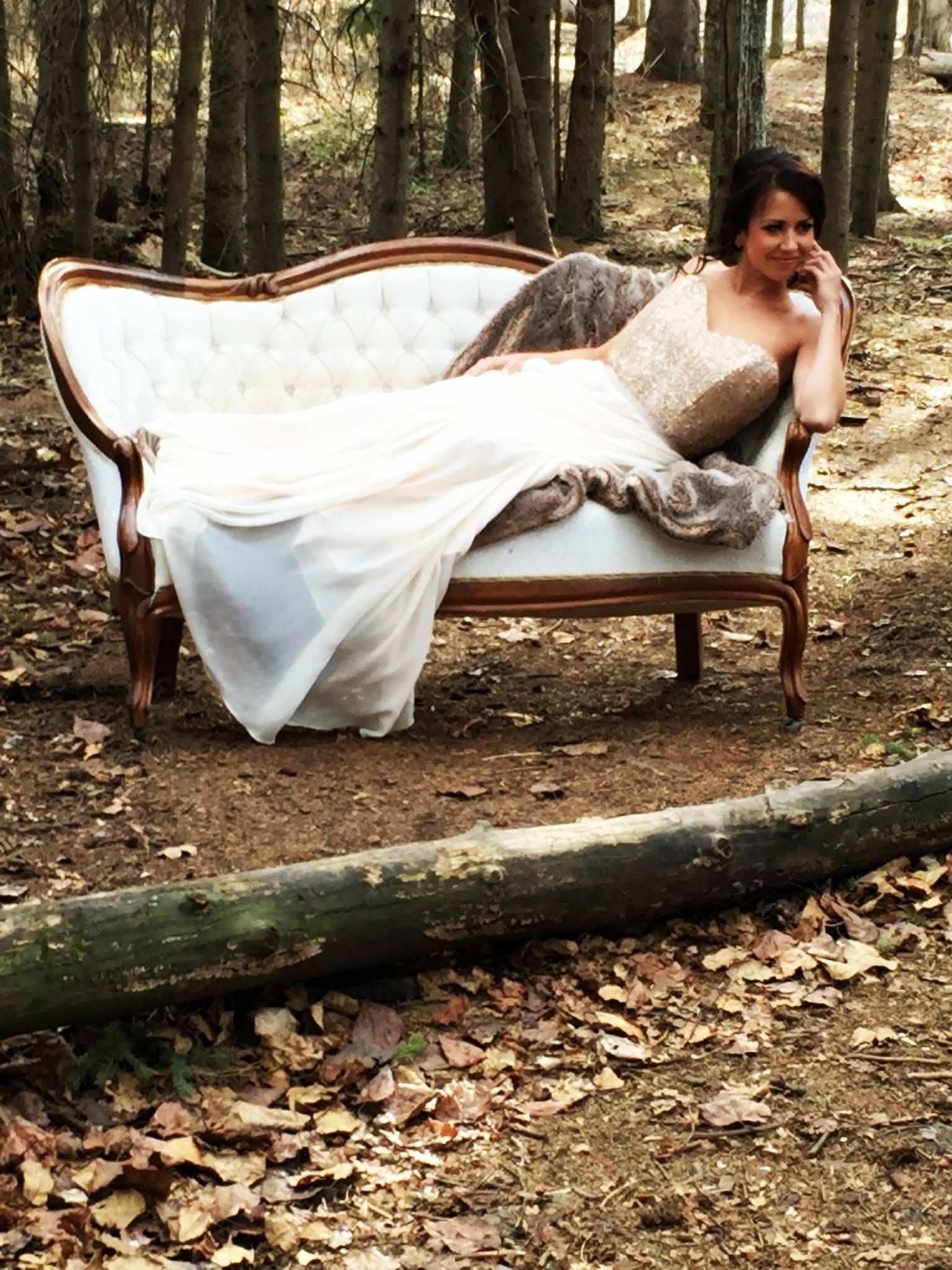 Vintage antique loveseat available for rent for Edmonton weddings.
