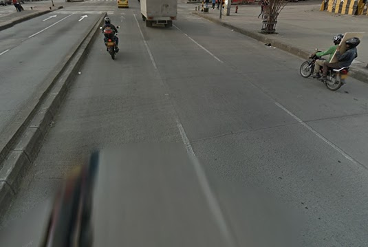 Google Streetview image of the intersection where the attack took place. I've chosen to pan the view down a bit, to somewhat obscure the exact location, though I suspect some real Bogotanos may know where this is.
