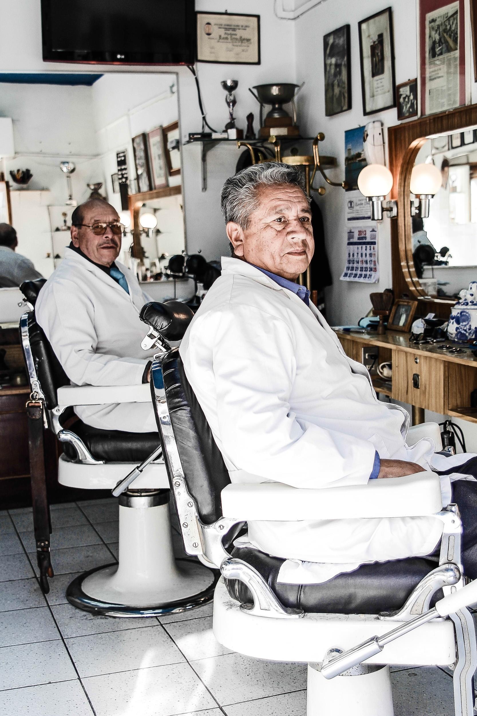 Los Barberos del Barrio Yungay 5_08_2012 (2 of 9).jpg