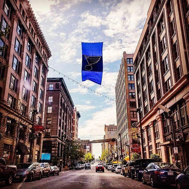 Let's go @stlouisblues! 🏒 We love to see this flag flying on @washington_avenue. 📷: @pcthecrazyasian #WeAllBleedBlue #stlblues #StanleyCup #LGB #STL #stlouis #stlouisgram
