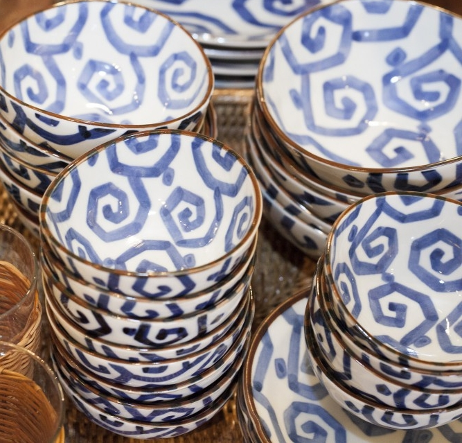 Blue-and-white-bowls.jpg