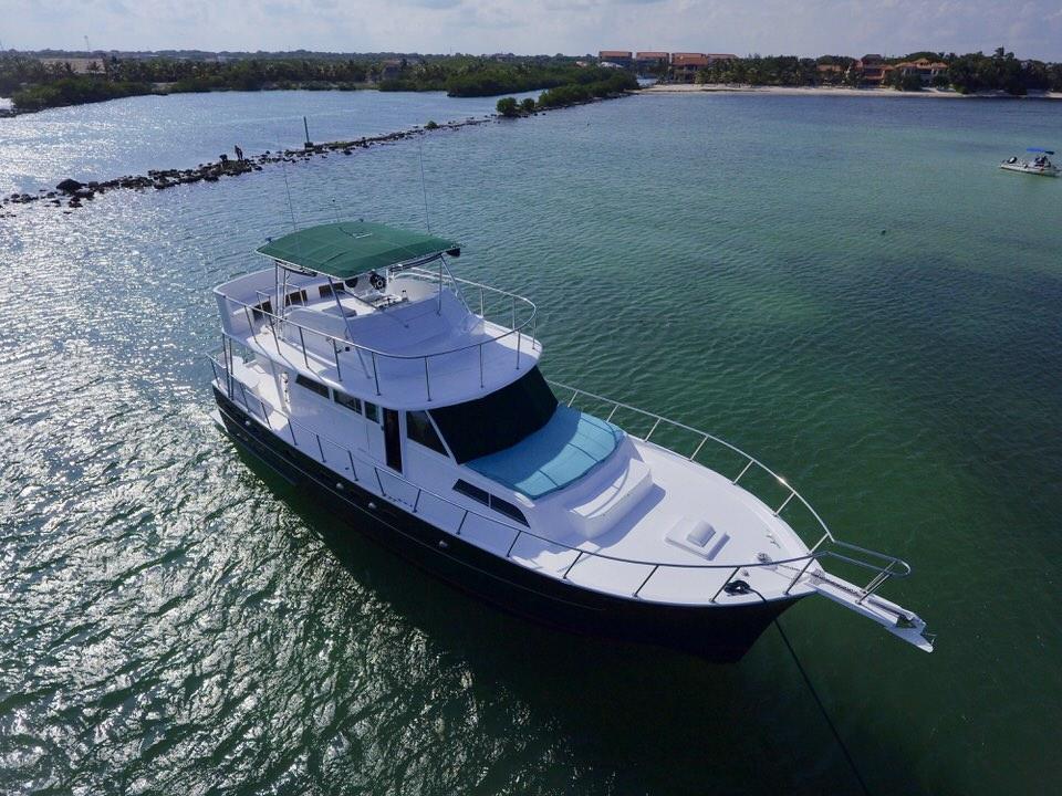 h2oh-puerto-aventuras-yacht.jpeg