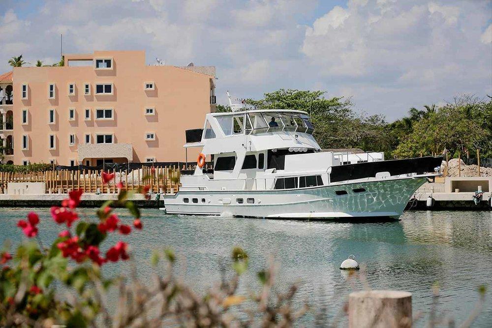 piratas-private-yacht-riviera-maya.jpg
