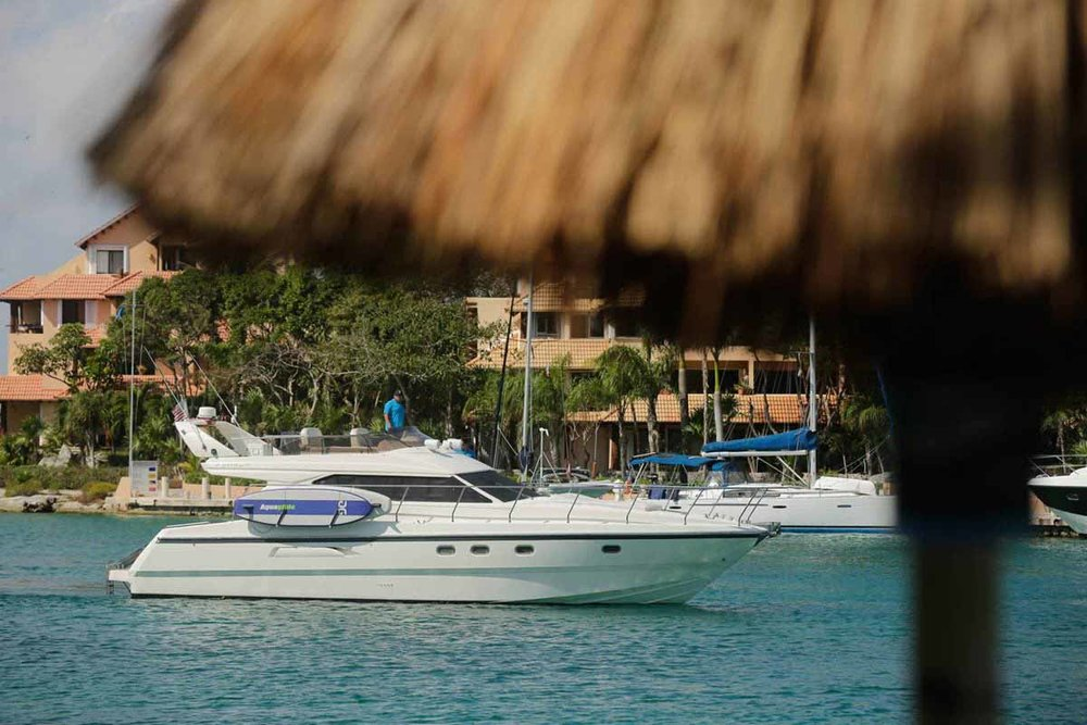 los-tres-private-yacht-riviera-maya.jpg