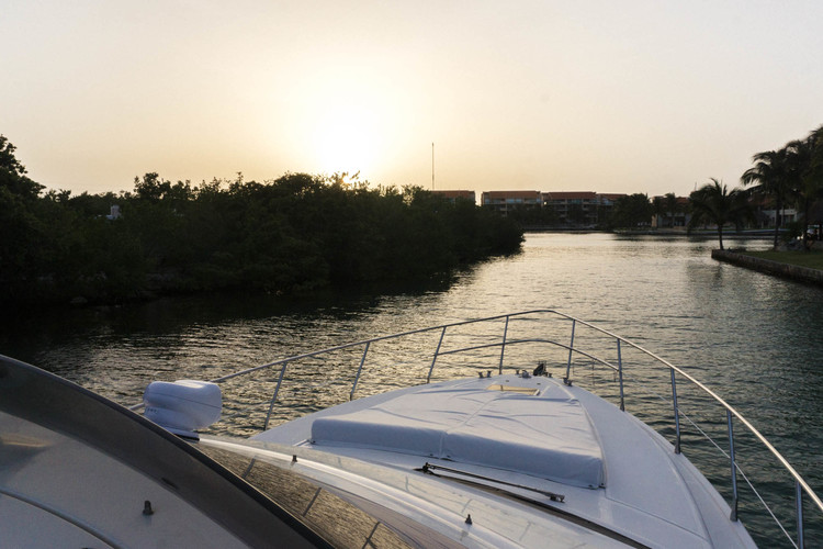 luxury-yacht-sunset-riviera-maya.jpg