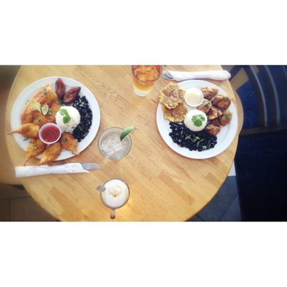 Seafood plate & Masitas de pollo