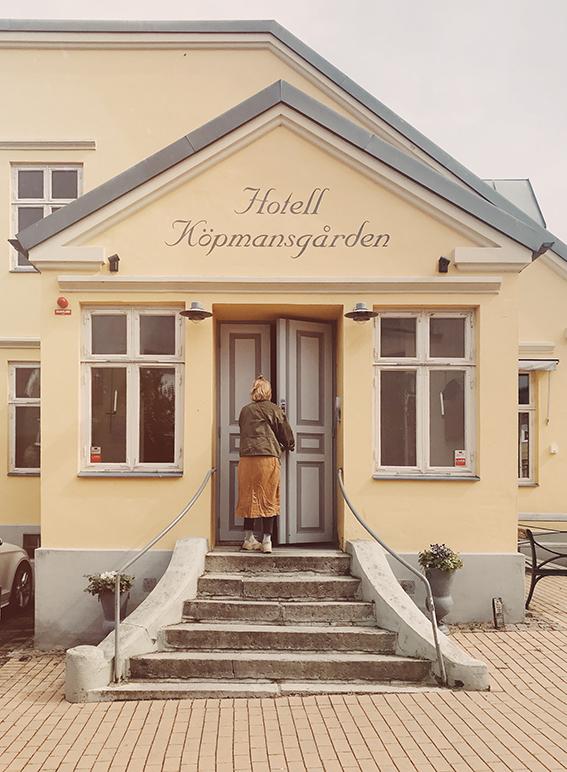 Framsidan på hotellet ser ut så här.  Hotellet & co i Höganäs.  Vi kommer mer än gärna tillbaka och väl värt ett besök, inte minst för den personliga, urgulliga servisen.
