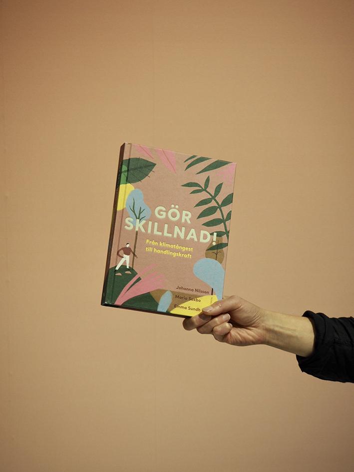 Boken alla väntar på är snart här…