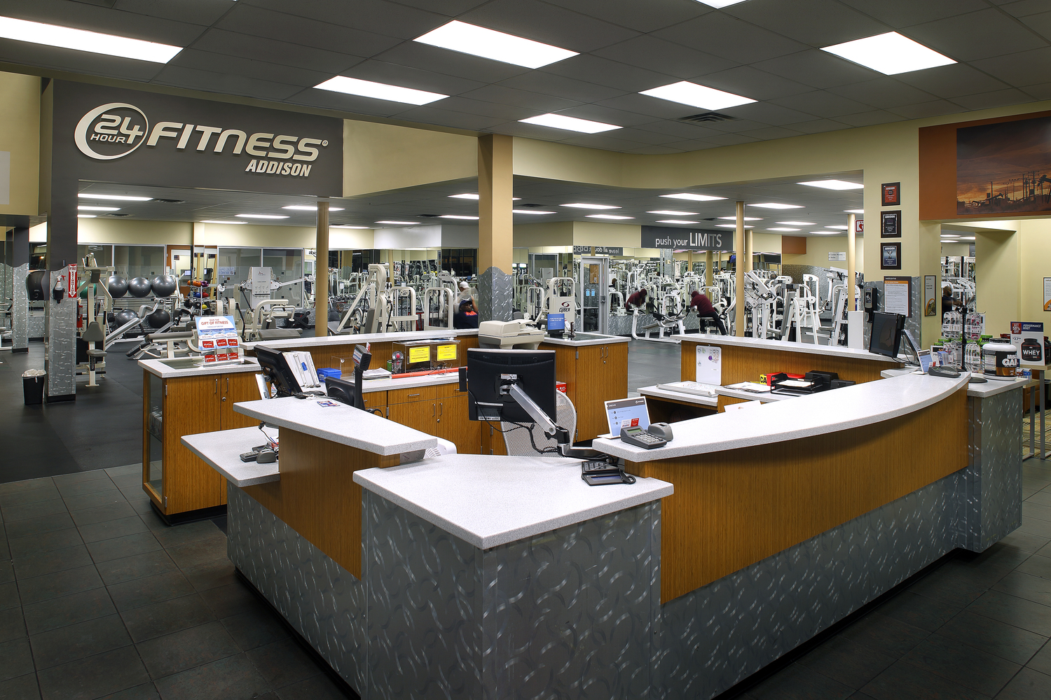 24 Hour Fitness  |  Addison, TX  General Contractor:  Raymond Construction