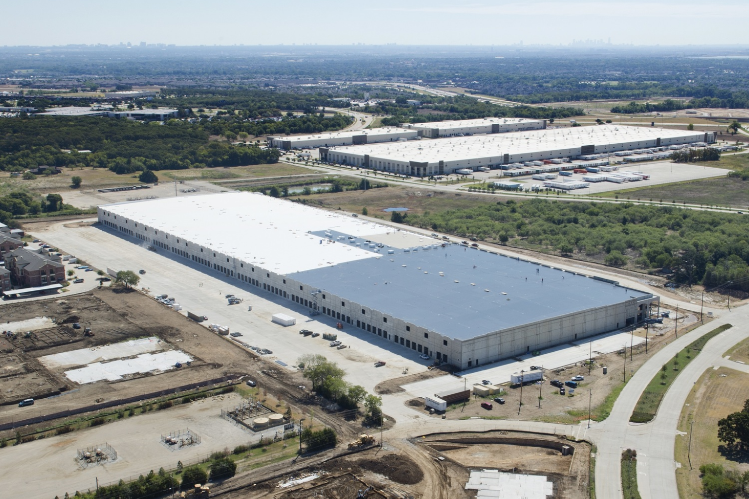 Valley Parkway Distribution Center  |  Lewisville, TX   General Contractor:   Raymond Construction