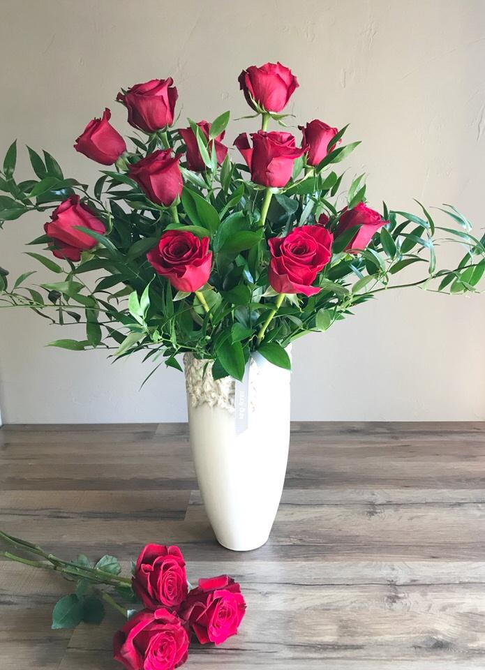 1 Dozen Premium Roses.jpg