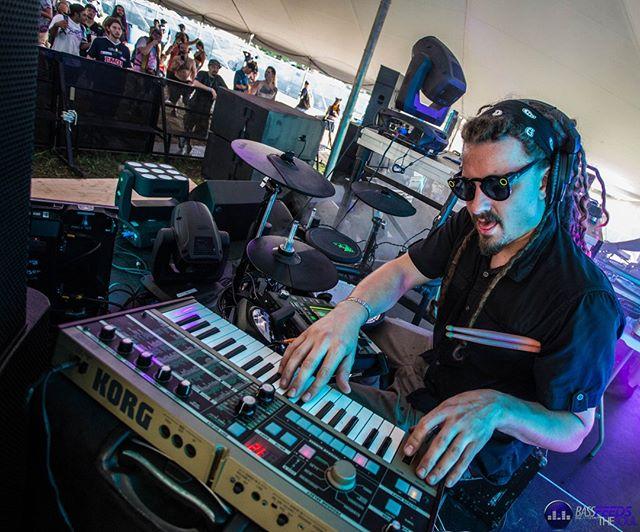 🦊 No one gets down like @beaknasty 🦊  Photo by @madi.hatter 🦊 🦊 🦊 🦊 🦊  #musicfestival #music #concert #edm #electronicmusic #producer #dj #festivalfashion #bass #dubstep #housemusic #bassfeedsthesoul #picoftheday #followforfollow #likeforlike #photography #concert #musician #travel #nofilter #foxydope #funky #producer #dancemusic