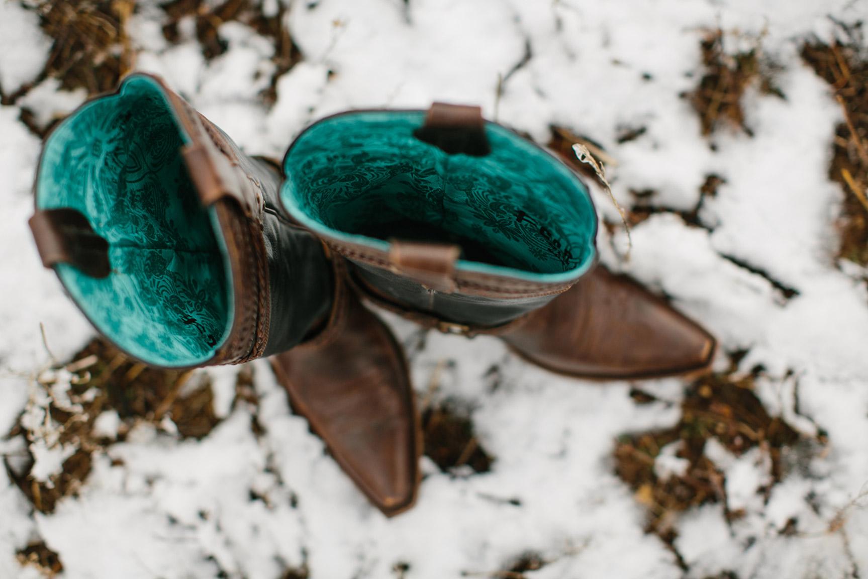 Cotton_Creek_Barn_Winter_Wedding_WeddingPhotographer002.jpg