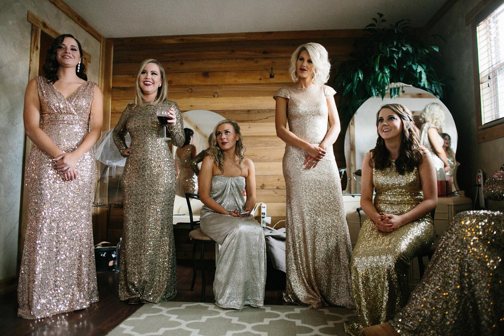 Cotton_Creek_Barn_Winter_Wedding_WeddingPhotographer005.jpg