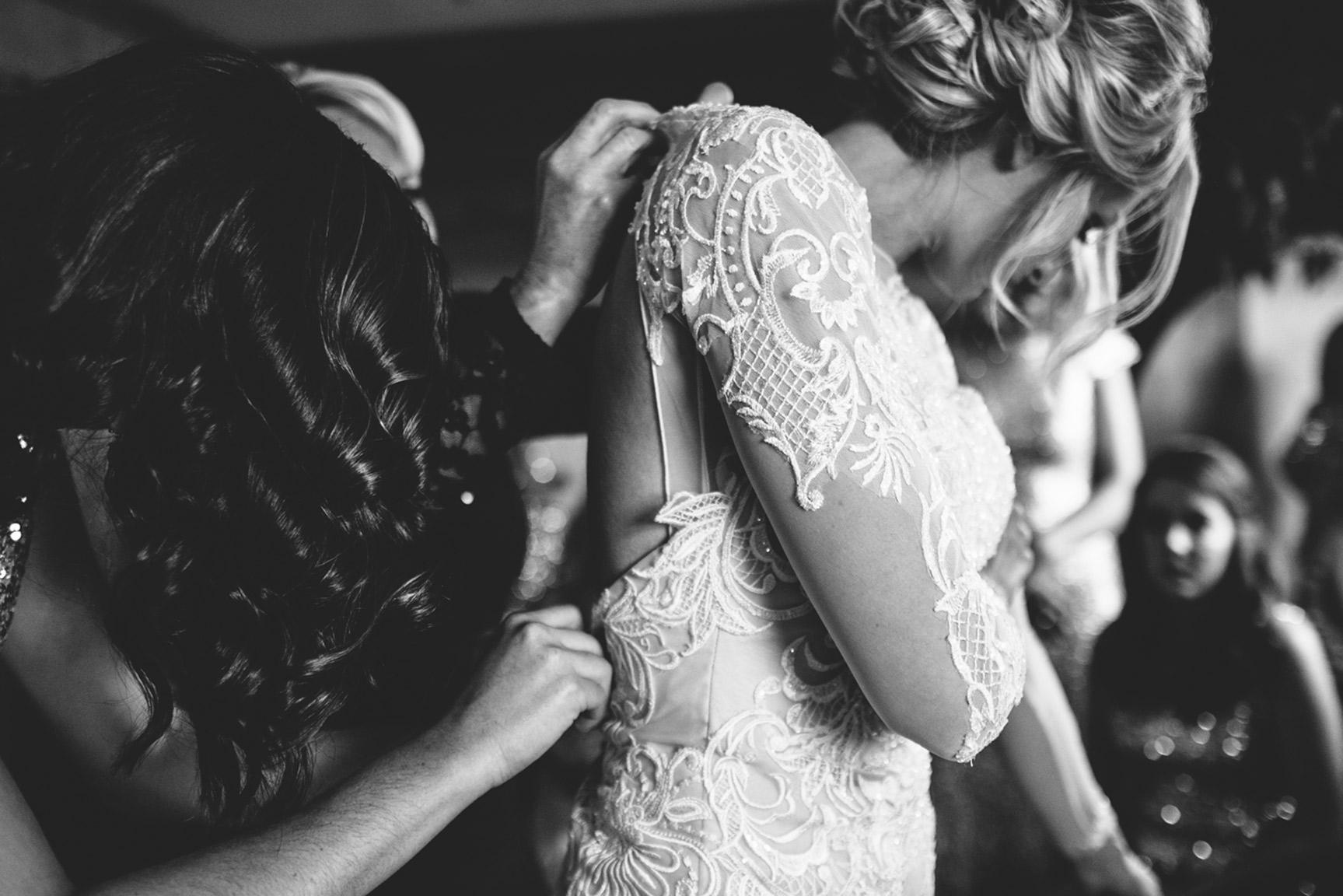 Cotton_Creek_Barn_Winter_Wedding_WeddingPhotographer008.jpg