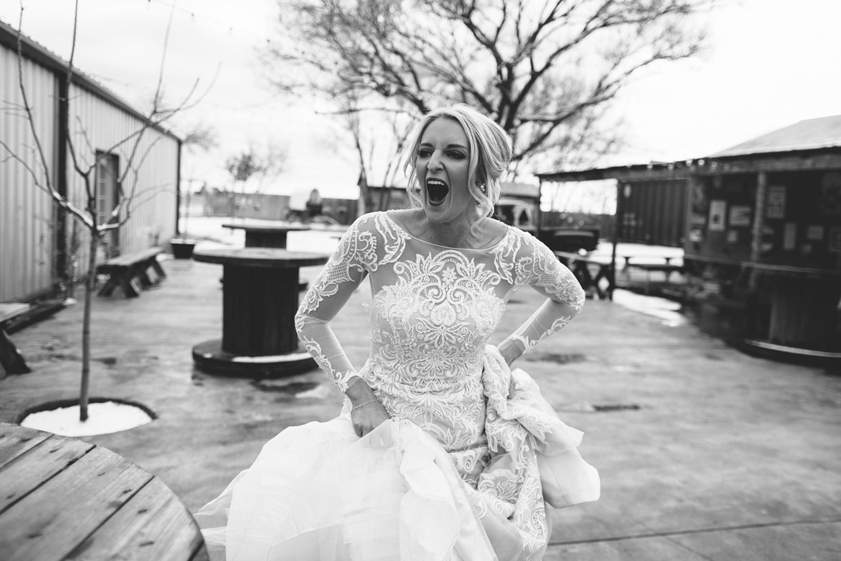 Cotton_Creek_Barn_Winter_Wedding_WeddingPhotographer013.jpg