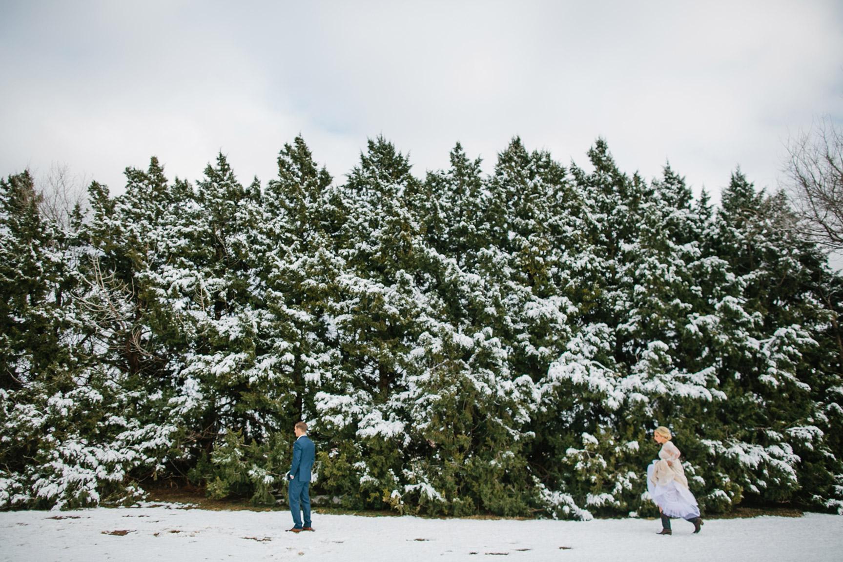Cotton_Creek_Barn_Winter_Wedding_WeddingPhotographer015.jpg