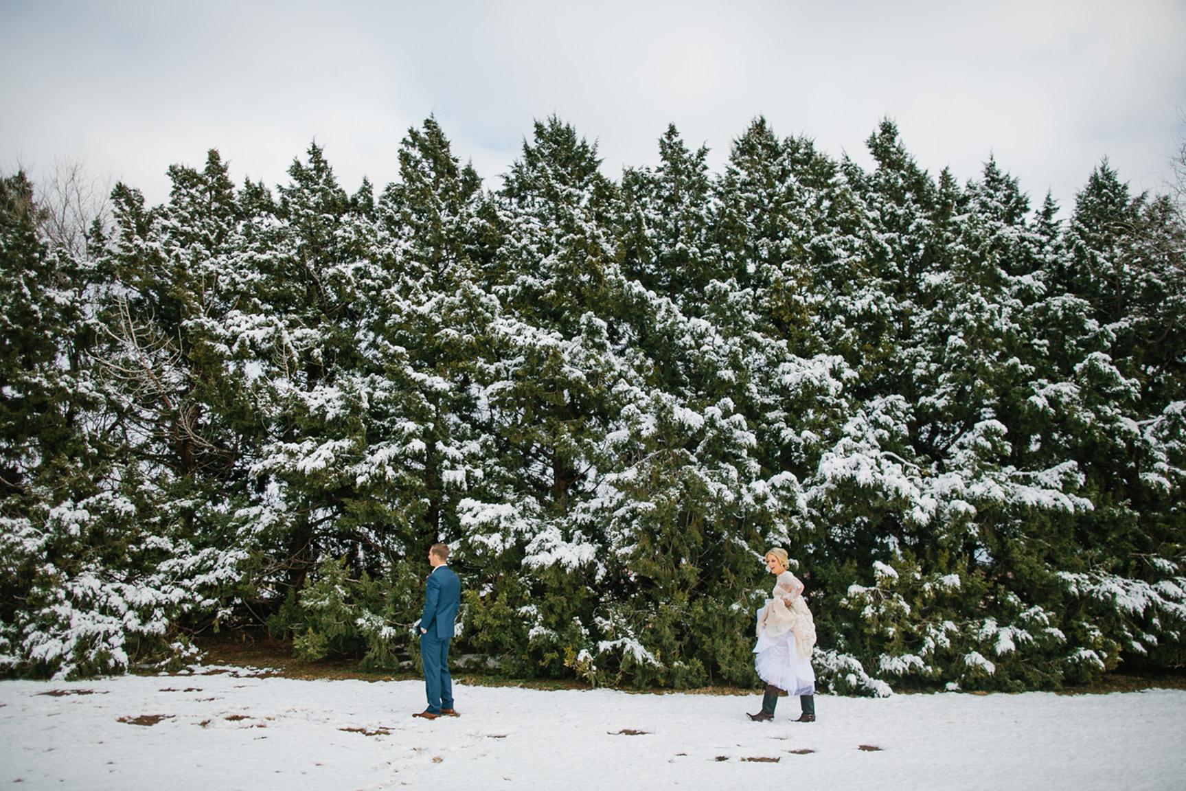 Cotton_Creek_Barn_Winter_Wedding_WeddingPhotographer016.jpg