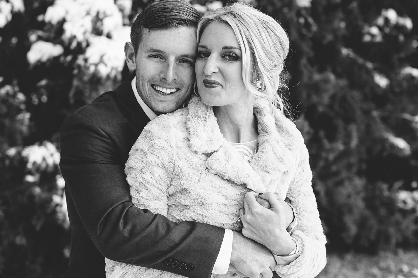 Cotton_Creek_Barn_Winter_Wedding_WeddingPhotographer023.jpg