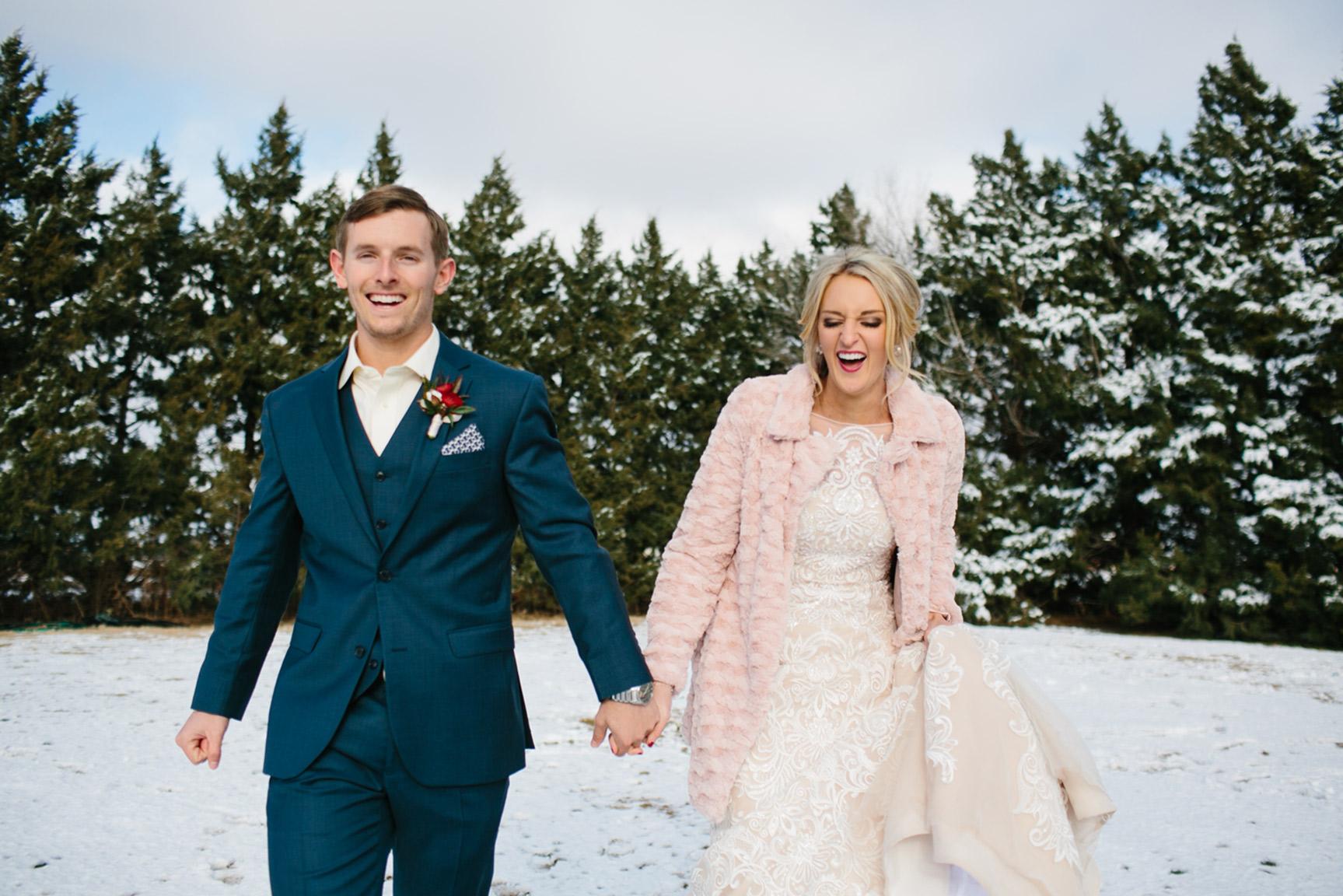 Cotton_Creek_Barn_Winter_Wedding_WeddingPhotographer030.jpg