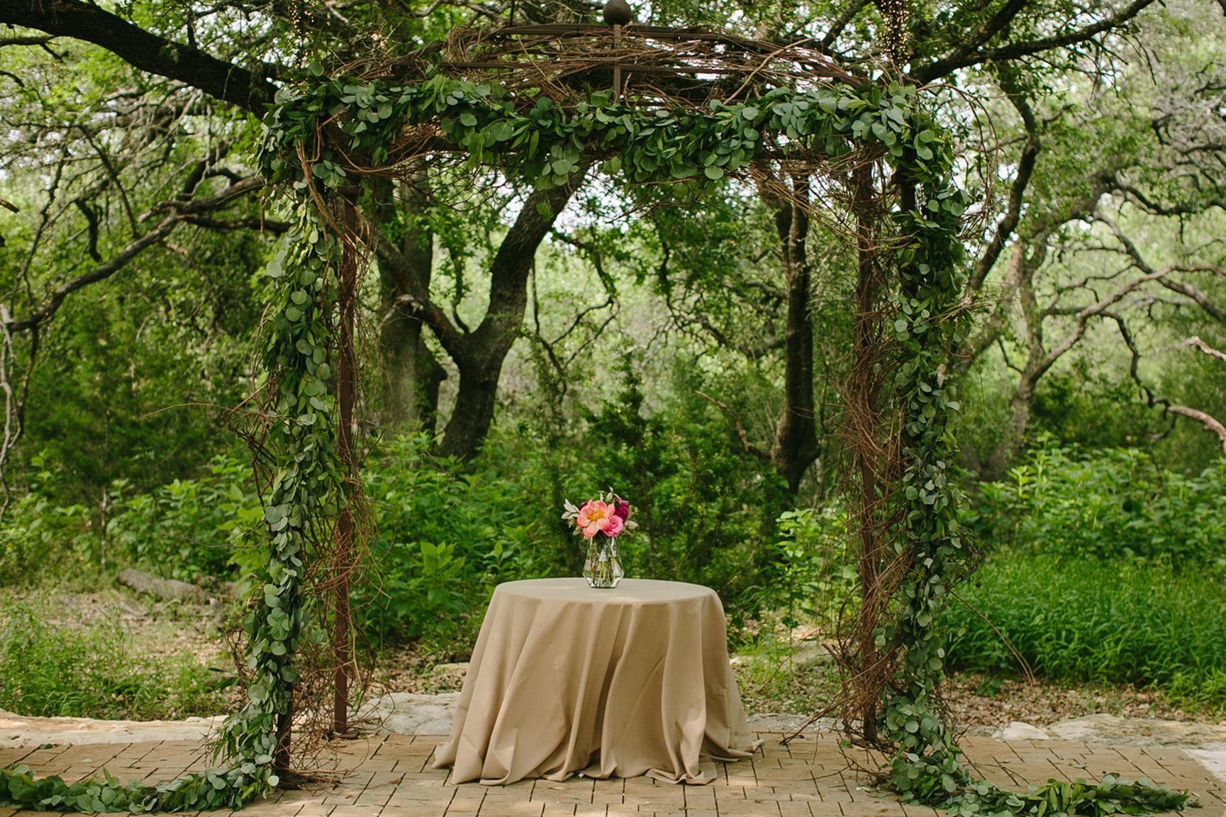 Austin_WeddingPhotographerWARRWEDDING015.jpg