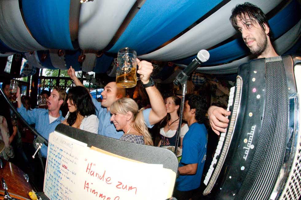 zum-schneider-nyc-2011-oktoberfest-0995.jpg