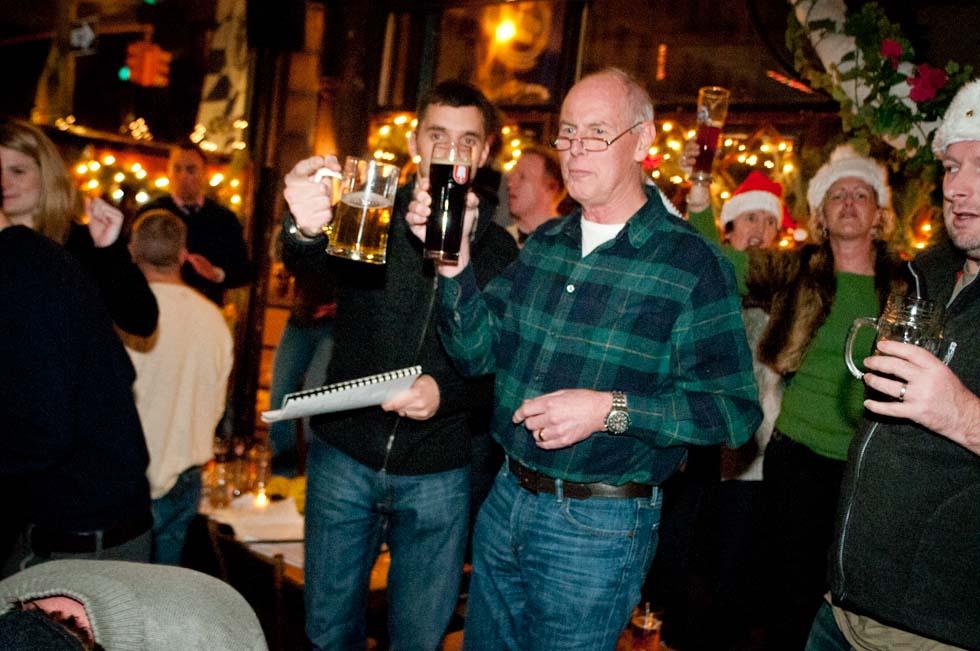 zum-schneider-nyc-2011-christmas-caroling-9469.jpg