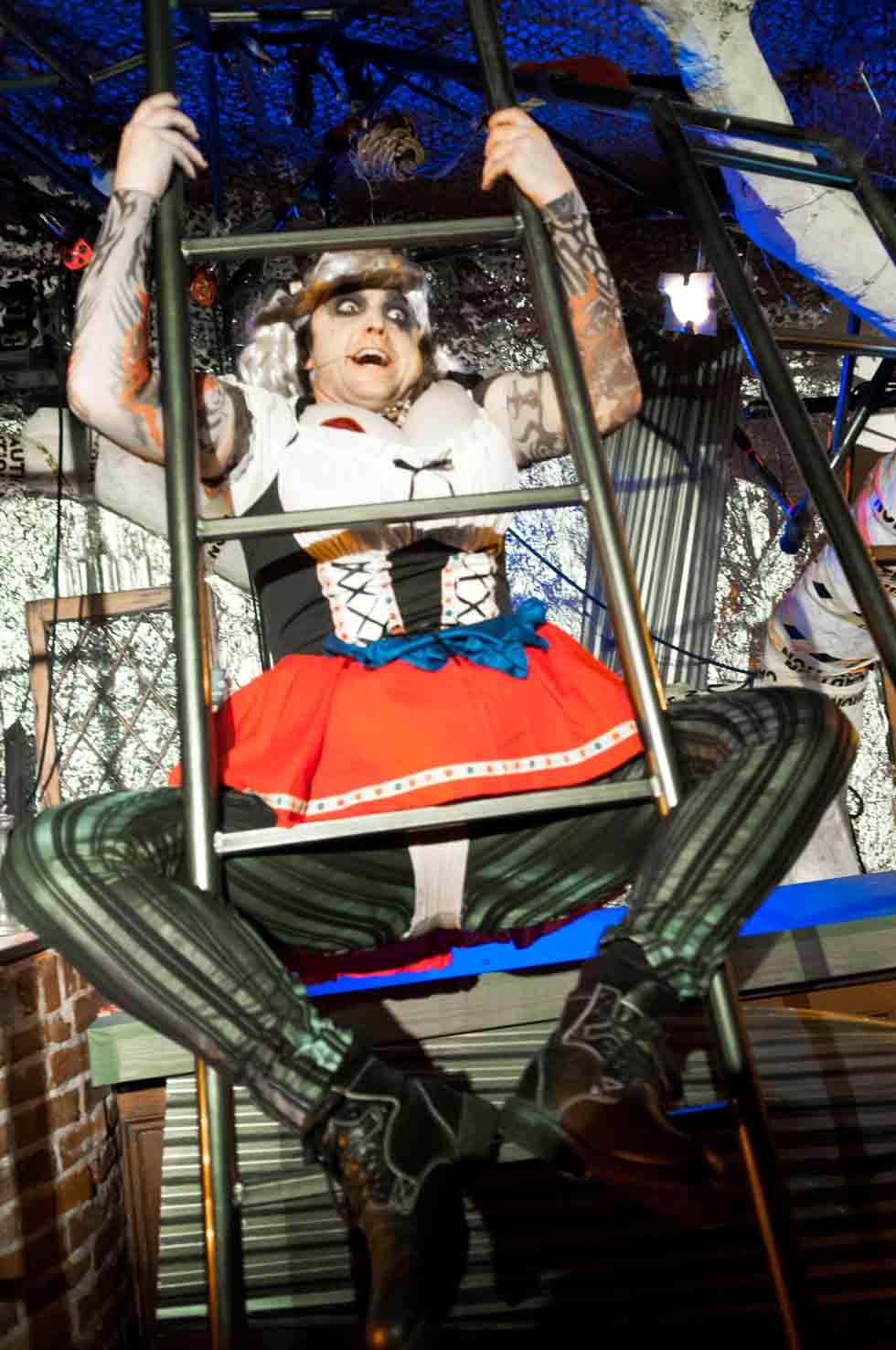 zum-schneider-nyc-2012-karneval-apocalyptika-3731.jpg
