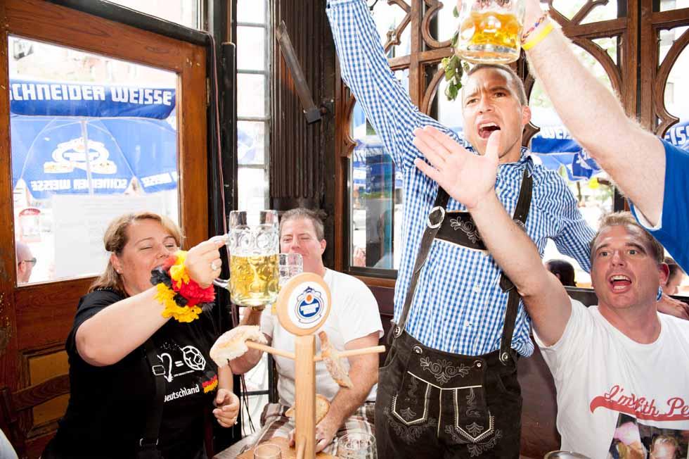 zum-schneider-nyc-2013-anniversary-party-1361.jpg