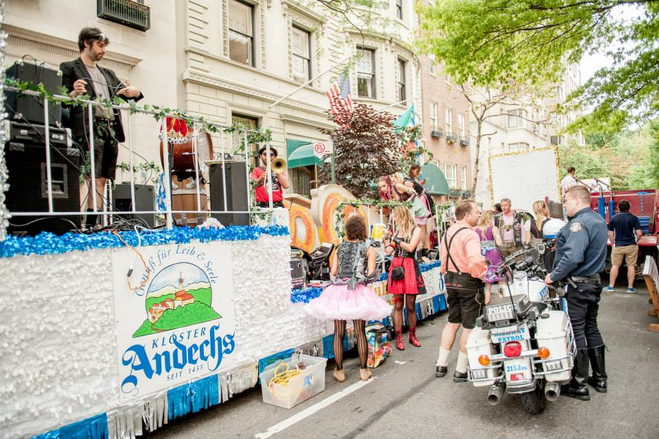 zum-schneider-nyc-2013-steuben-parade-15.jpg