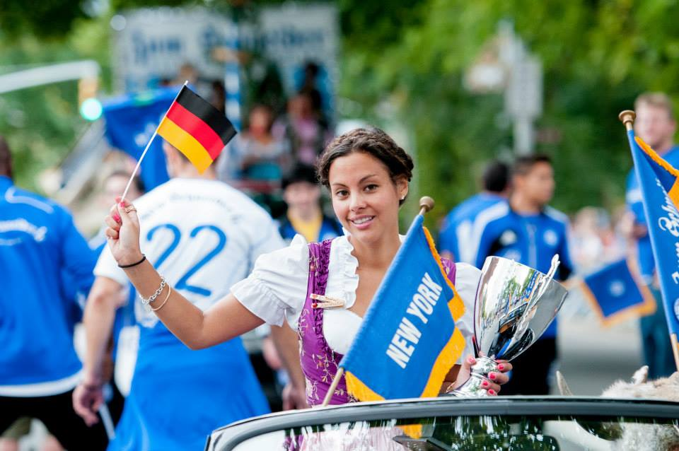 zum-schneider-nyc-2013-steuben-parade-58.jpg
