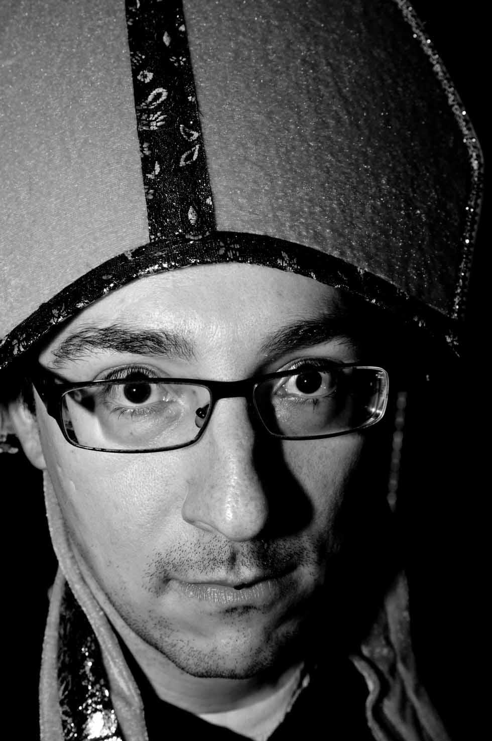 zum-schneider-nyc-2012-karneval-apocalyptika-4995.jpg