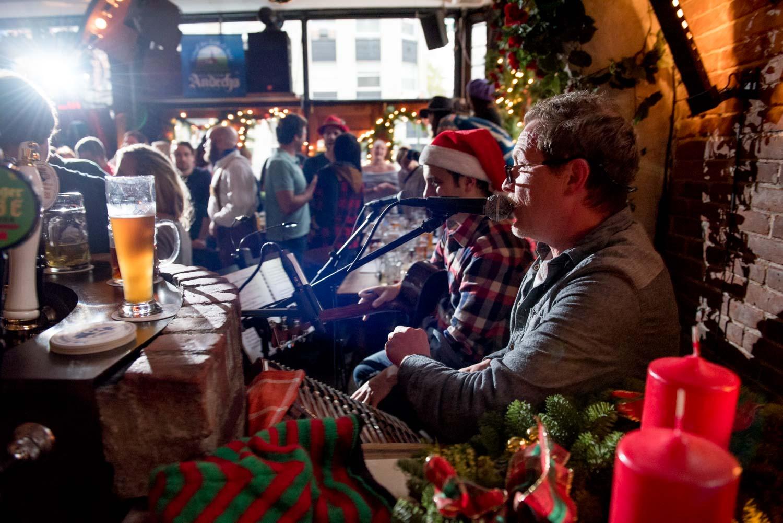 zum-schneider-nyc-2017-christmas-caroling-advent-singen-6981.jpg