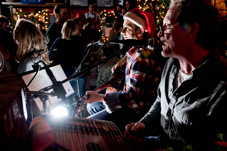 zum-schneider-nyc-2017-christmas-caroling-advent-singen-7117.jpg
