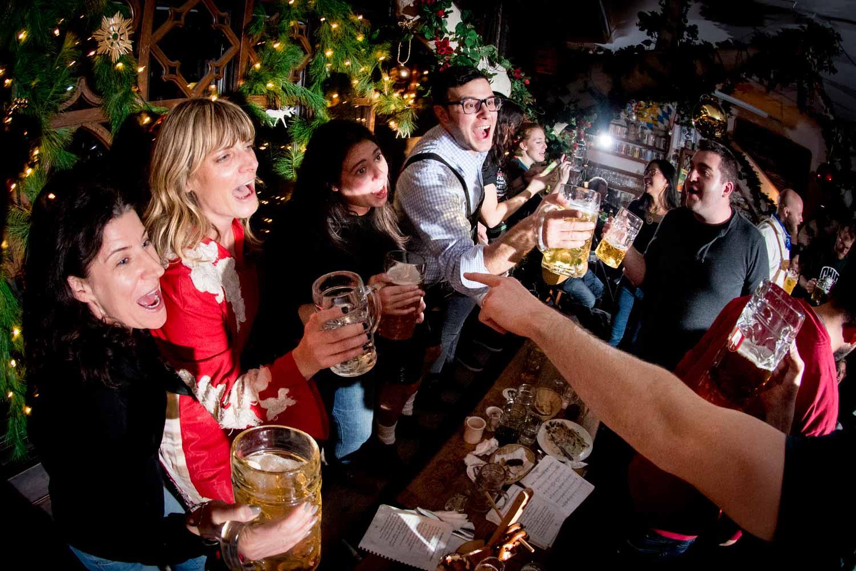 zum-schneider-nyc-2017-christmas-caroling-advent-singen-7279.jpg
