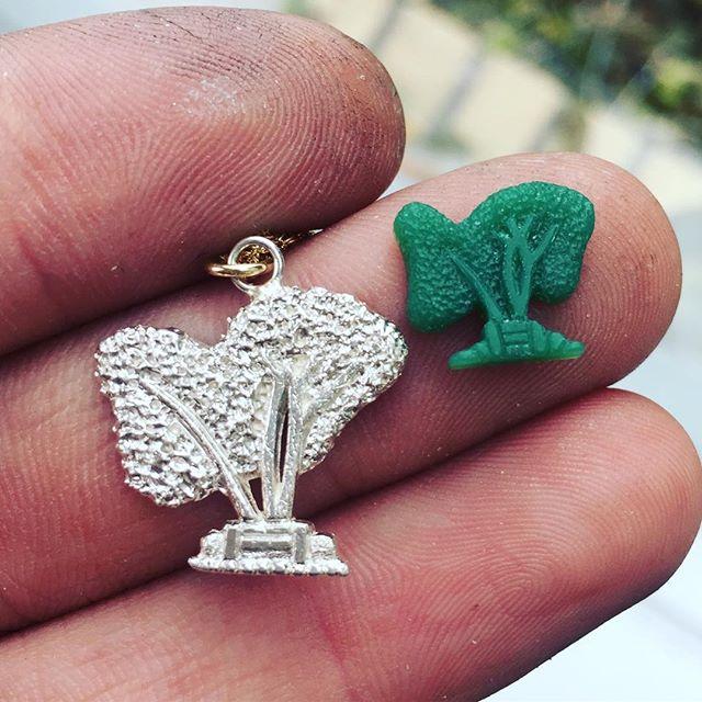Tiny special tree carving!