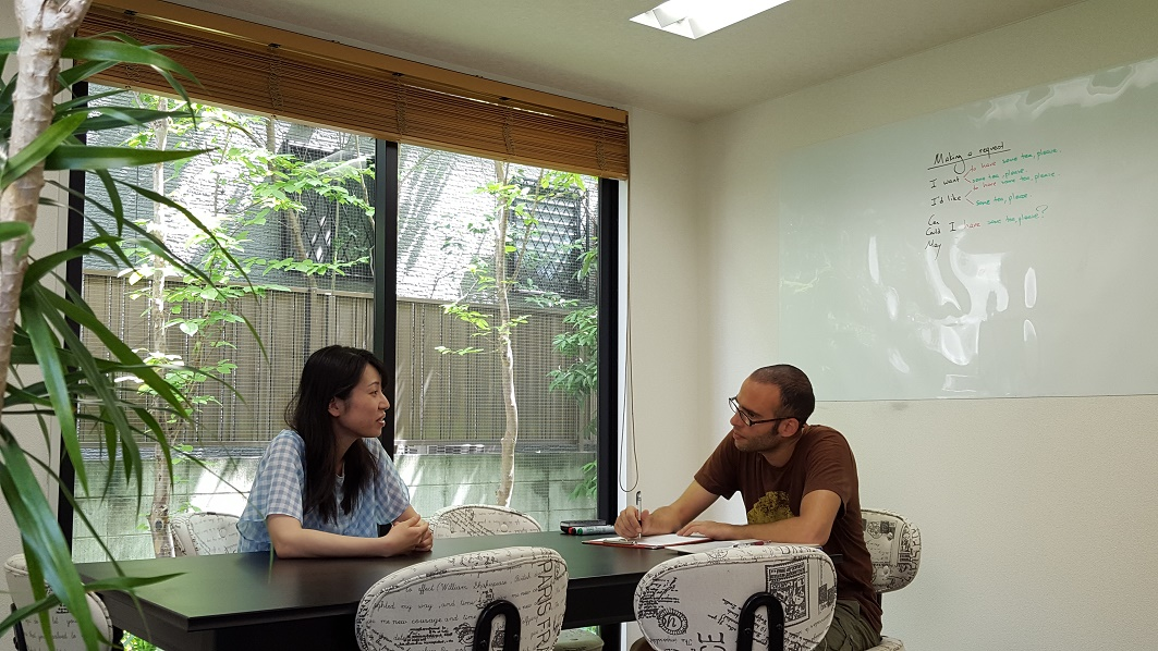 福岡英会話No.1(ウィンザー英会話)のプライベートレッスンの雰囲気。