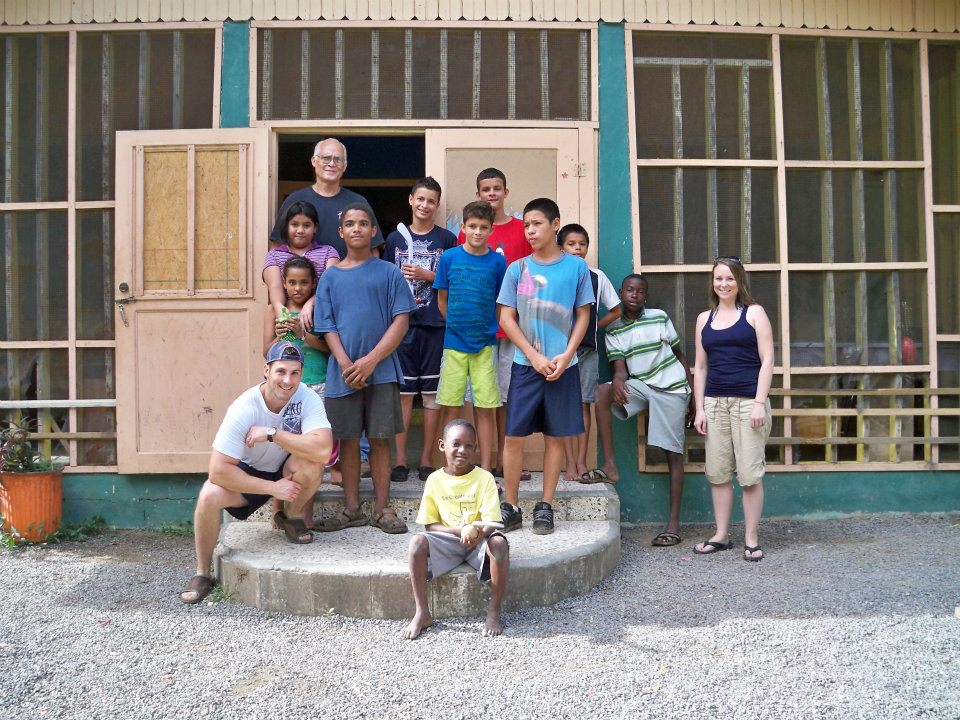Steve, Lisa, and a few of the children from our first visit to the Majken Broby Children's Home in Roatan, back in 2011.  Visit:  www.socialart.ca/fundraiser  to help!!